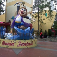 Foto scattata a Dunia Fantasi (DUFAN) da Uwie M. il 11/5/2012