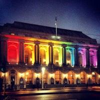 Foto scattata a War Memorial Opera House da Victoria H. il 10/12/2012