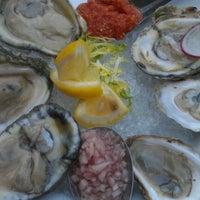 Das Foto wurde bei Volo Restaurant Wine Bar von Lisa P. am 9/16/2012 aufgenommen