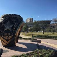 Das Foto wurde bei Haynes Ring Plaza von Robert L. am 1/22/2016 aufgenommen