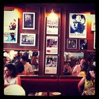 Foto tirada no(a) Le Jazz Brasserie por Camila P. em 10/27/2012
