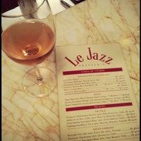 Foto tirada no(a) Le Jazz Brasserie por Camila P. em 3/31/2013