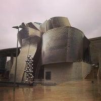 Foto tomada en Museo Guggenheim por Juan P. el 5/31/2013
