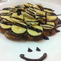 3/21/2013에 Burçak Y.님이 Waffle Edem 46에서 찍은 사진