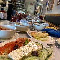 Foto diambil di Istanbul Blue Restaurant oleh Sara pada 1/10/2021
