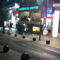 Photo prise au Starbucks par Melda G. le11/4/2012