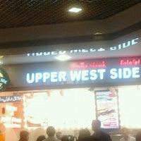 Foto tirada no(a) Upper West Side Falafel por Nergis e. em 5/7/2013