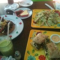 Foto tomada en Lukumbe Café por Sergio G. el 11/19/2012