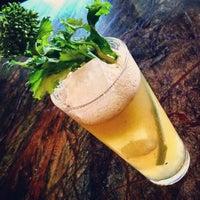 Foto tirada no(a) Harlow's Fine Cuisine and Crafted Cocktails por Anamaria O. em 10/11/2014