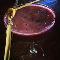 Foto tirada no(a) Harlow's Fine Cuisine and Crafted Cocktails por Anamaria O. em 8/26/2014