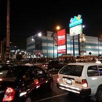 Photo prise au CC Plaza San Miguel par Rolando B. le5/1/2013