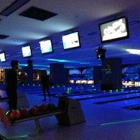 รูปภาพถ่ายที่ Rolling Ball Bowling โดย Fatih D. เมื่อ 2/14/2013