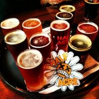 รูปภาพถ่ายที่ Half Acre Beer Company โดย Mike H. เมื่อ 2/2/2013