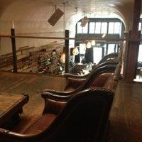 2/23/2013 tarihinde Evie D.ziyaretçi tarafından Era Art Bar & Lounge'de çekilen fotoğraf