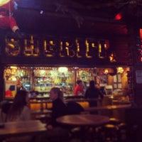 Foto tirada no(a) Saloon Sheriff por Oguz K. em 12/23/2012