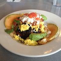 Das Foto wurde bei Elmo's Diner von Christine H. am 11/4/2012 aufgenommen