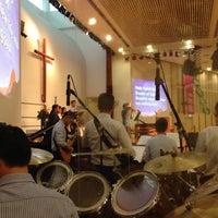 Das Foto wurde bei SJSM - Christ Sanctuary von Stanley W. am 9/29/2013 aufgenommen