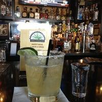 Снимок сделан в Tequilas Cantina and Grill пользователем Nadim B. 4/26/2013