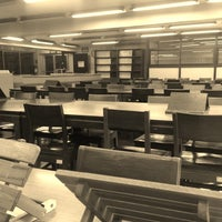 Photo prise au Miguel De Benavides Library par Allen A. le3/23/2013