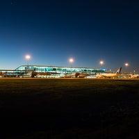 Foto diambil di Brisbane Airport International Terminal oleh Brisbane Airport International Terminal pada 1/18/2017