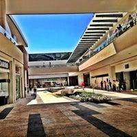Foto tomada en Centro Comercial Altacia por Gabriel C. el 5/8/2013