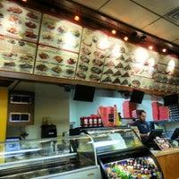 Foto tirada no(a) Big Mama's and Papa's Pizzeria por Photo L. em 1/16/2013