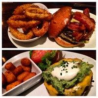 Foto tirada no(a) 5 Napkin Burger por Melanie R. em 5/11/2013