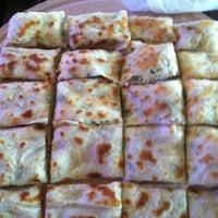 Das Foto wurde bei ALIR Cafe | Restaurant von Çağdaş S. am 7/4/2013 aufgenommen