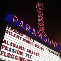 Das Foto wurde bei Paramount Theatre von Kari S. am 3/4/2013 aufgenommen