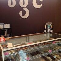 Foto scattata a Oooey Gooey Chocolate by Lane da Danny O. il 6/15/2013