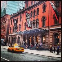 Das Foto wurde bei The Public Theater von T. T. am 6/13/2013 aufgenommen