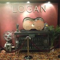 Das Foto wurde bei Logan Theatre von Julian C. am 5/25/2013 aufgenommen
