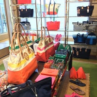 6be9ecd5d58d ... Photo taken at Tory Burch - Outlet by T on 5 10 2017 ...