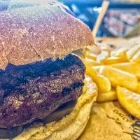 10/28/2018 tarihinde Furkan Eşref Y.ziyaretçi tarafından Daily Dana Burger & Steak'de çekilen fotoğraf