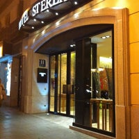Foto tomada en Hotel Sterling por 5 B. el 10/10/2011