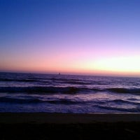 Foto tomada en Dockweiler State Beach por Jamie R. el 8/30/2011