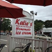 Photo prise au Katie's Homemade Ice Cream par Rob M. le8/11/2012