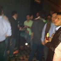 Foto scattata a Lola Bar da Ronaldo A. il 8/19/2011