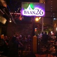 Foto tomada en Baan 26 por Brian C. el 12/3/2011