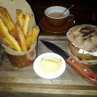 Das Foto wurde bei The Breslin Bar & Dining Room von Chris am 1/15/2012 aufgenommen
