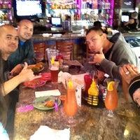 Снимок сделан в Hurricane's Bar & Grill пользователем Rese A. 4/10/2012