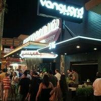 Das Foto wurde bei Vanguard Lounge von ROB DUB am 9/25/2011 aufgenommen