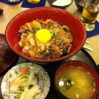 Foto diambil di Tanabe Japanese Restaurant oleh Elbert C. pada 10/26/2011
