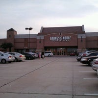 Barnes Noble Now Closed Macarthur Park At Las Colinas 9 Tips