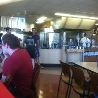 Foto tomada en DeNaples Fresh Food Company (University of Scranton) por Zachary H. el 4/19/2012