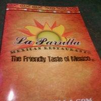 Foto tomada en La Parrilla Mexican Restaurant por Jared W. el 9/22/2011