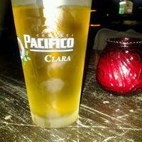 4/17/2012에 Jimbob L.님이 Easy Bar에서 찍은 사진