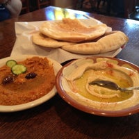 Photo prise au Afrah Mediterranean Restaurant & Pastries par Kally R. le6/9/2012