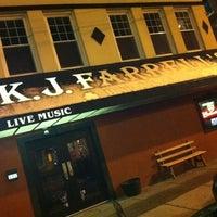 รูปภาพถ่ายที่ KJ Farrell's Bar & Grill โดย Richard E. เมื่อ 1/22/2012