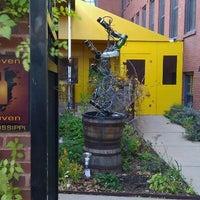Das Foto wurde bei Eleven Eleven von Chelly am 11/11/2011 aufgenommen